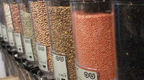 alimenti alla spina dai detersivi alla spina ai cibi sfusi la spesa sostenibile