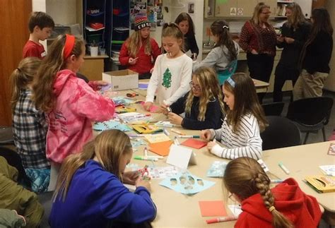 Ingles Gift Card Center - hundreds spread holiday cheer