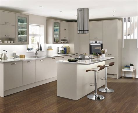 kitchen design howdens greenwich cashmere kitchen universal kitchens howdens