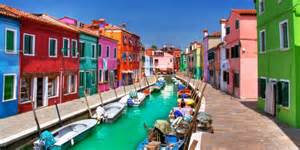 italy colorful houses colorful burano italy burano tourism