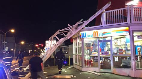 windmill dogs replica windmill atop iconic branch stand collapses 171 cbs new york