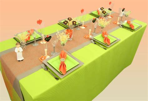Decoration De Table Pour Communion Garcon by D 233 Coration De Table Communion Anis Orange Et Taupe