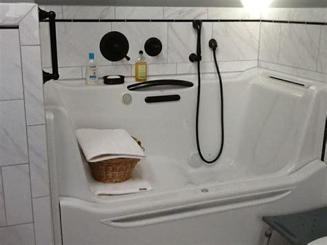 infinity bathtub kohler infinity bathtub 2 kohler elevance bathtub bathroom