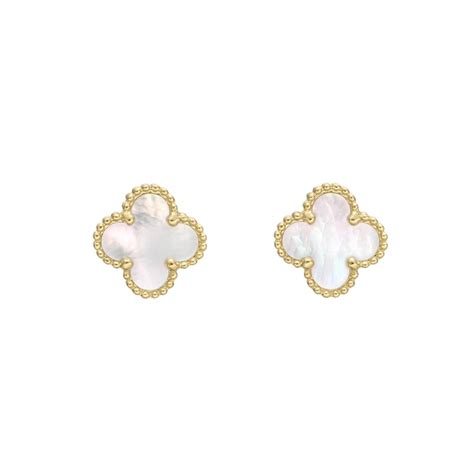 Anting Glow In The Clover White Stud Earring 69 best images about cleef arpel alhambra on