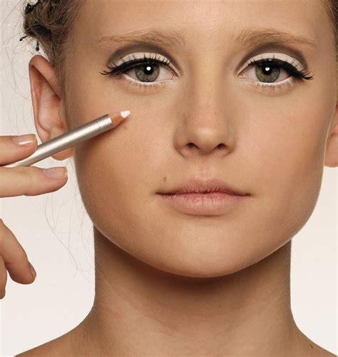 tutorial eyeliner matita come mettere la matita nera