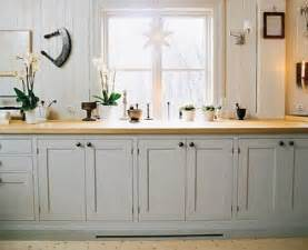 Light Grey Cabinets In Kitchen Martha Stewart Mourning Dove Paint Kitchen Grey Cabinets Grey And Style