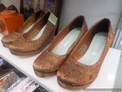 Sepatu Wedges Sam 9335 Murah sepatu nikma basyar sepatu kain dari sidoarjo yang sukses merambah pasar ekspor yuniari nukti