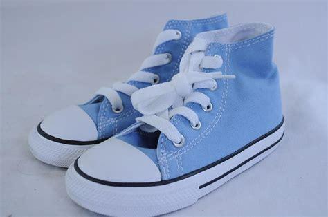 light blue chuck taylors converse ct hi chuck light blue lace up high top