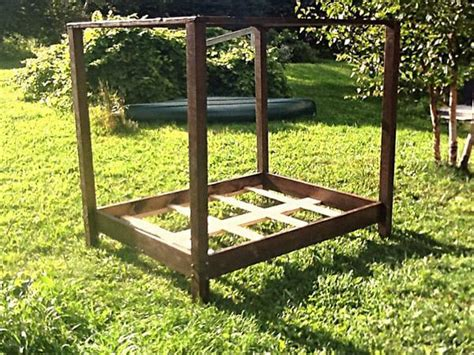 Diy Canopy Bed Frame Diy Pallet Canopy Bed Frame Pallet Furniture Diy