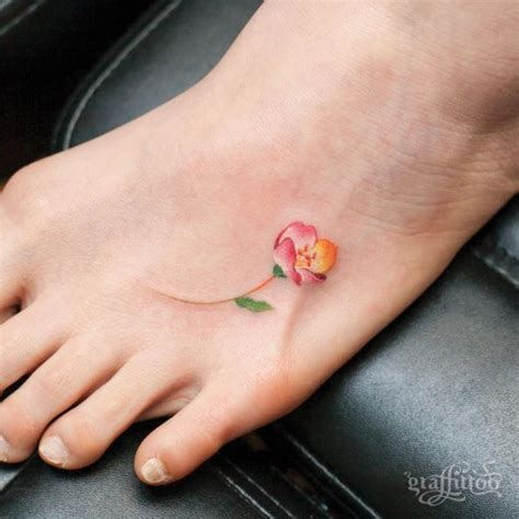 tiny foot tattoos 25 best ideas about foot tattoos on henna
