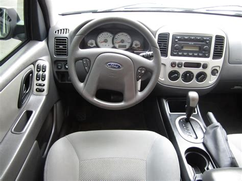 electric and cars manual 2002 ford escape interior lighting ford escape interior 2005 image 215