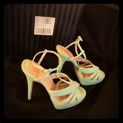 mint colored sandals 1000 ideas about green high heels on badass