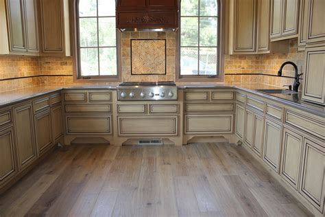 u shape kitchen decoration using light brown travertine