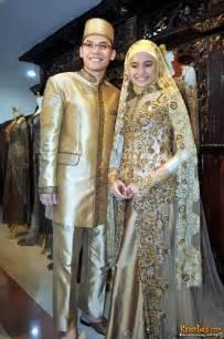 gambar model baju pengantin muslimah contoh desain model kebaya muslim modern terbaru wanita