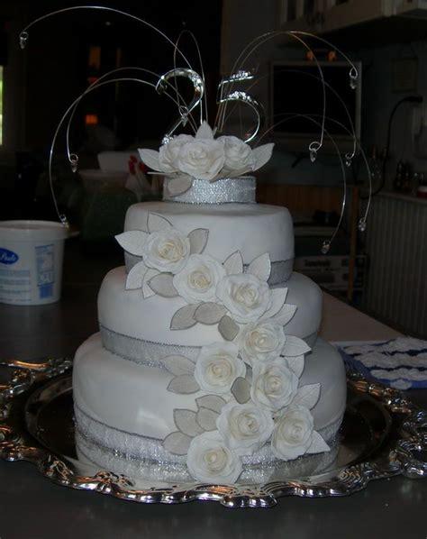 25th wedding anniversary cakes 25th wedding anniversary cake decorating ideas this cake is