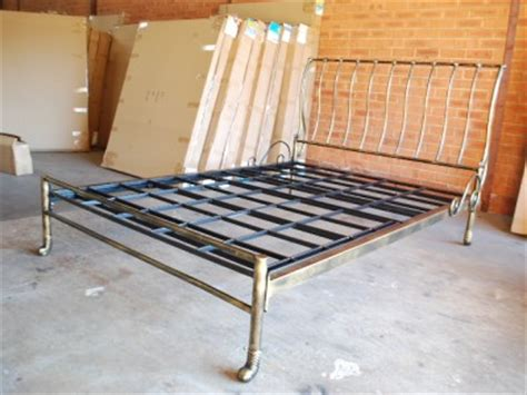 queen sleigh bed frame hand made classic iron sleigh bed frame castings queen 002