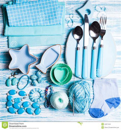 blaue badezimmerwände blaue gegenst 228 nde stockfoto bild blau t 252 rkis gummi