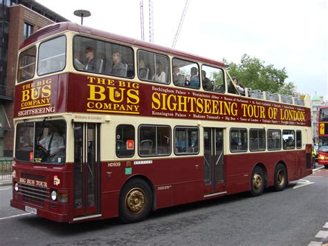 Visual Ecstasy: Hop on and Hop Off in London City | Manzeera