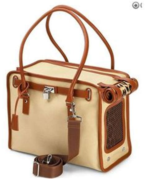 carriers that look like purses 1000 ideas about carrier on pet carriers chihuahuas and chihuahua