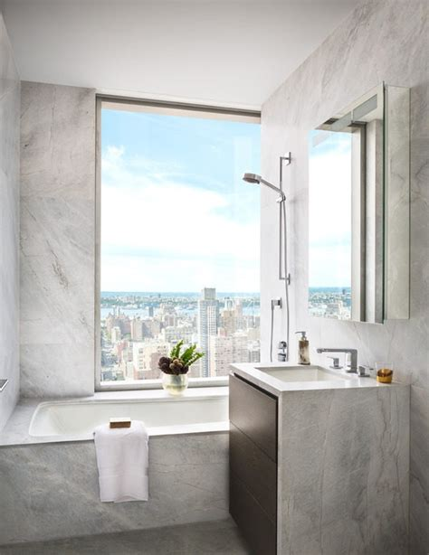 tom brady bathroom gisele bundchen and tom brady apartment at one madison new york