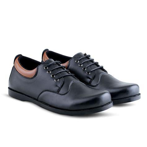 Sepatu Kantor Pria Sepatu Pantofel Sepatu Formal Sepatu Kickers Kulit 2 varka 12 model sepatu pria sepatu formal sepatu