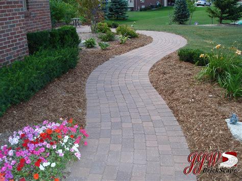 25 best sidewalk ideas on pinterest walkways walkway walkway paving ideas best 25 paver walkway ideas on