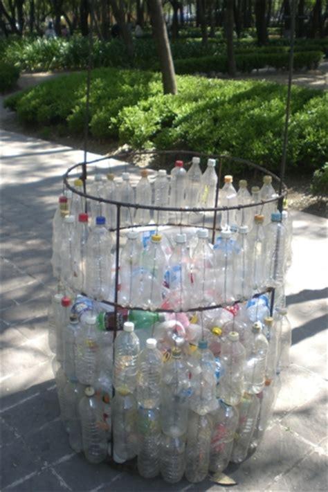cestos en materiales reciclables guard of a living planet contenedores de basura