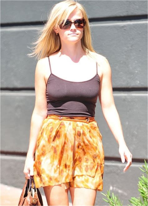 Reese Witherspoon To Beckham Look At Whos Wearing Your by Going Commando 38 Who Left Home