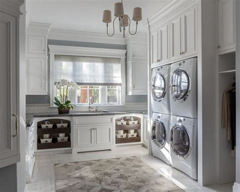 how to design a laundry room best 25 large laundry rooms ideas on pinterest laundry
