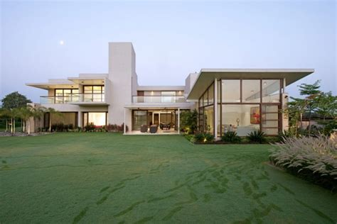 idea design ahmedabad urbane house by hiren patel architects in ahmedabad india