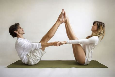 boat pose tutorial 10 perfect poses for partner yoga yoga poses couple and