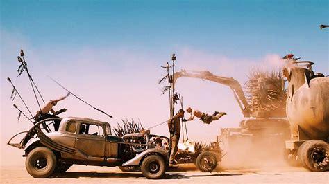 film balap mobil perang review film mad max fury road kegilaan ketegangan