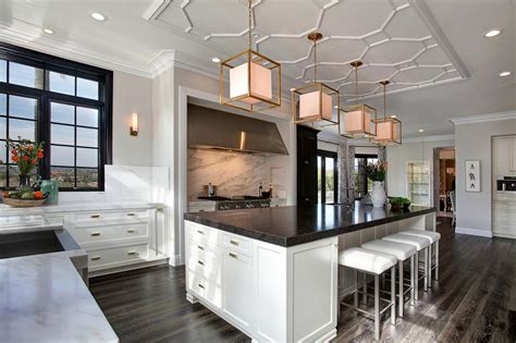 Chef Kitchen Design Tour This Classically Chic Chef S Kitchen Hgtv S Decorating Design Hgtv