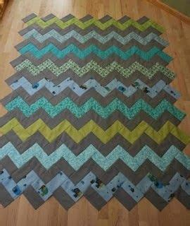 zig zag quilt pattern using triangles crazy mom quilts how to make a zig zag quilt without