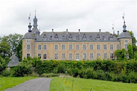 Wrap Around Porch Houses For Sale by Seven Historical Castles For Sale Around The World Circa