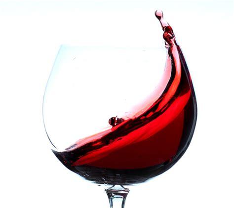 bicchieri vino rosso vino l eccellenza italiana vince sulle tavole usa 30