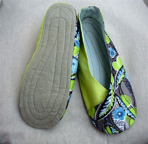pattern for kimono slippers you have to see woman s kimono shoes on craftsy