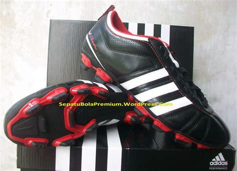 Sepatu Futsal Adidas Adiquestra Original adidas adiquestra iv trx fg sepatu bola sepatu futsal