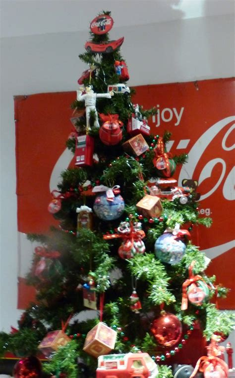 my coca cola christmas tree collectors weekly