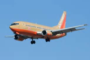 southwest airlines colors file classic colors southwest airlines n648sw boeing 737