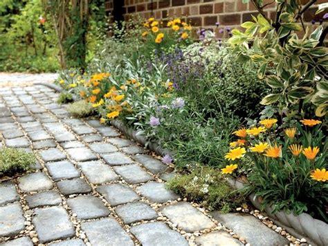 Un Pavimento Di Cemento O Legno by Pavimentazione Giardino Pavimento Per Esterni Come