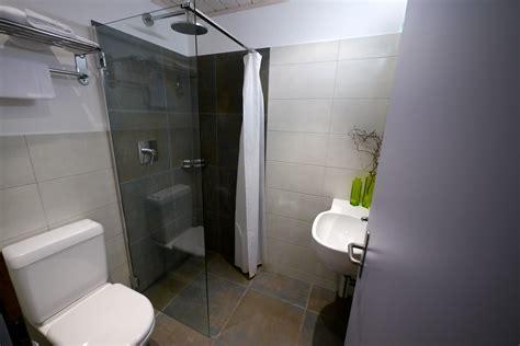 weißes kleines badezimmer multifunktionsm 246 bel f 252 r kleine wohnungen