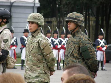Infumables Asalto En La Comisar 237 A Del Distrito 13 John - adquisiciones del ejercito argentino im 225 genes taringa