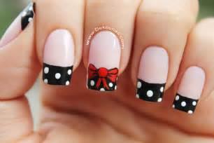 lo ultimo en decoracion en uas de los pies decoraci 243 n de u 241 as mo 241 o y lunares bow nail art youtube