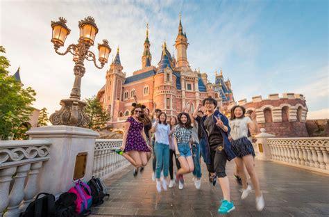 disney shanghai shanghai disneyland trip planning guide