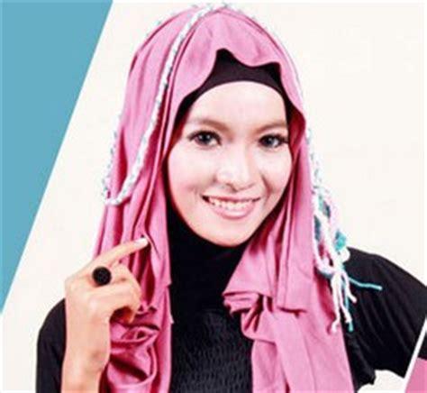 tutorial hijab untuk sholat ied tutorial model hijab cantik 1 menit untuk lebaran