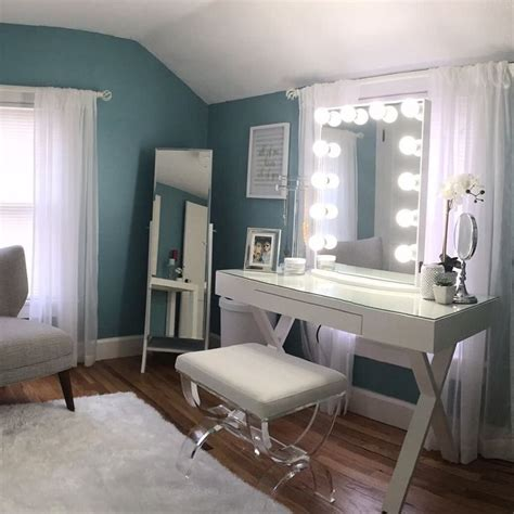 Makeup Room Decor 17 Best Ideas About Vanity Room On Pinterest Vanity Ideas Makeup Tables And Makeup Room Decor