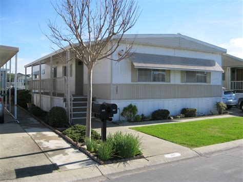mobile homes in mobile homes park photos