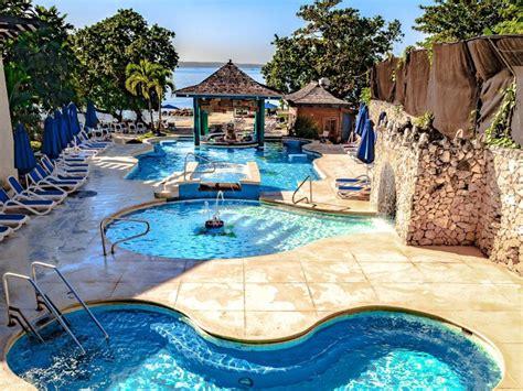 sandals hedonism resorts hedonism pool
