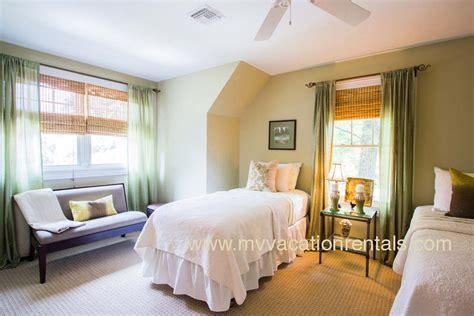 20 bedroom vacation rental dawkn oak bluffs vacation rental
